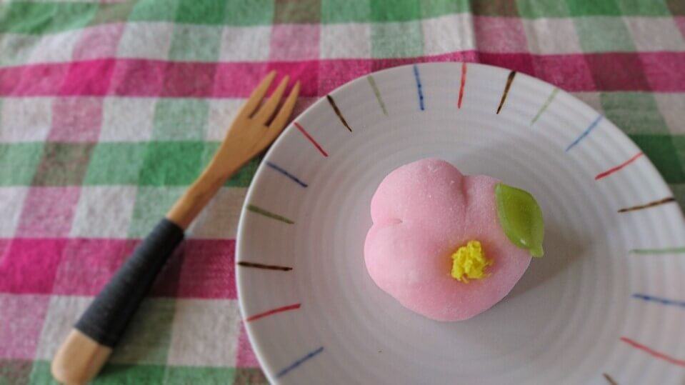 お茶菓子のご注文で山茶花をイメージして作りました!
